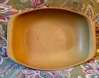 BENNINGTON POTTERS Serving Bowl