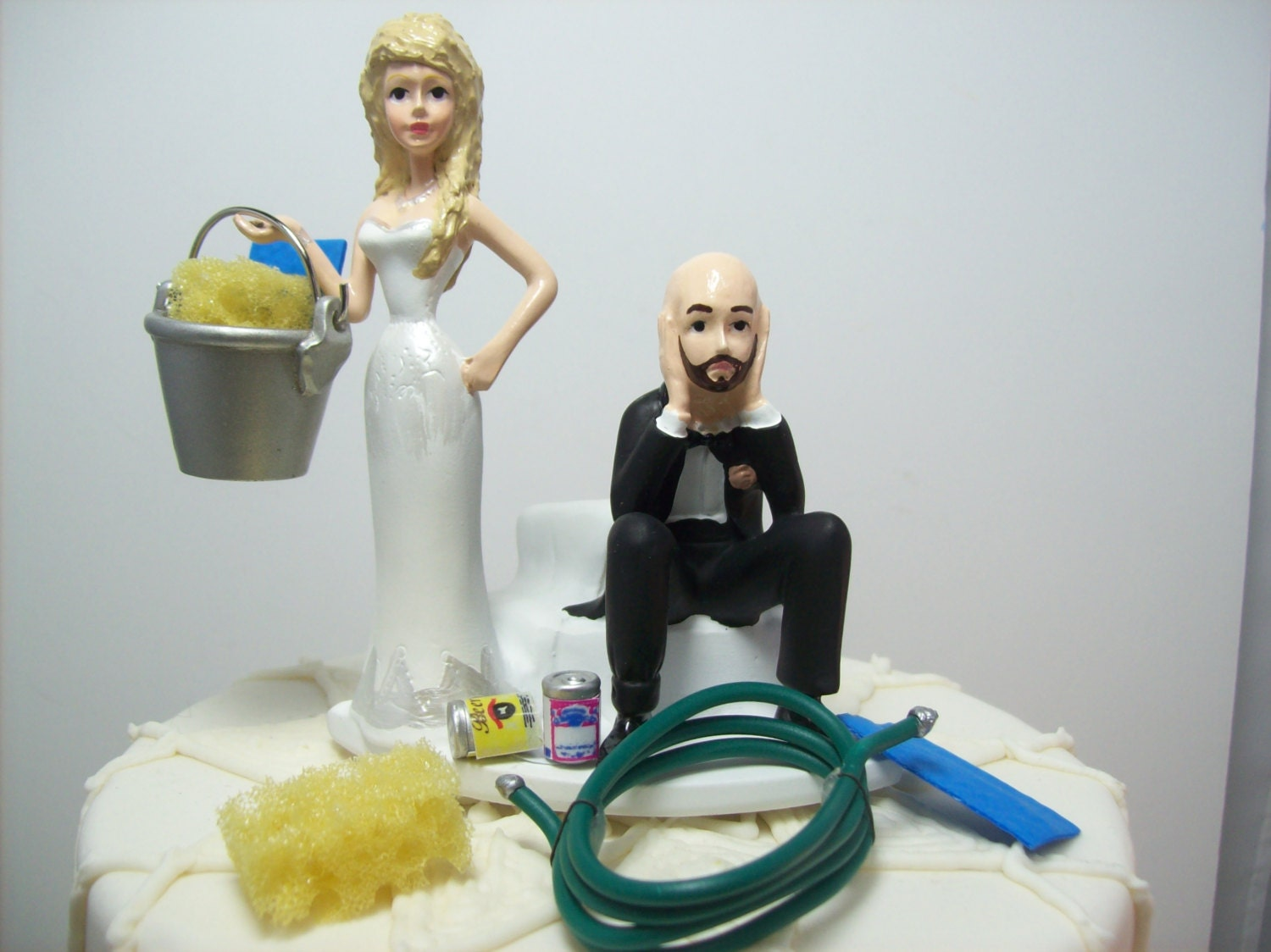 AUTO Car Wash Bride and Groom Wedding Cake Topper Funny Grooms