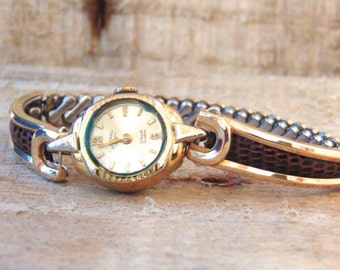 Sale! Vintage Women's Wrist Watch, 17 Jewel, Swiss Movement, Manual Wind, Expansion Watch Band