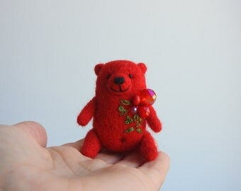 Red Bear brooch, Eco friendly miniature animal, needle felted Bear brooch, hand made Bear, Gift for you, in gift box