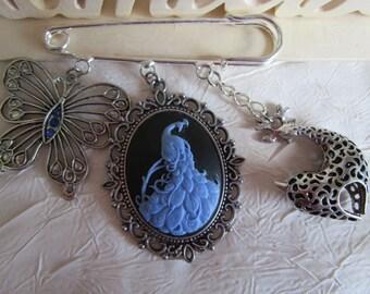 """Broche métal argenté  épingle de kilt  """"Des animaux avec des ailes...ou pas..."""""""
