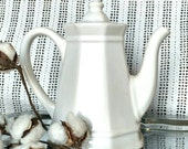 Retro Pfaltzgraff Heritage Coffee Pot - Swan Neck Tea Pot In White, Home Decor, Beverage + Drink Serving Ware, Collecting Teapots, Girl Gift