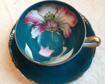 A Nice Vintage Japanese Teacup With Floral Decoration