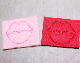 Kissing lips  feltie, choice pink w/med pink stitching or red felt w/ red or , for Valentine's Day, 4 pcs forhair accessories, scrapbooking