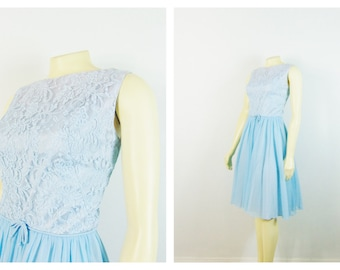 Vintage Dress 50s 60s Baby Blue Party Dress Lace & Chiffon Dress Metal Zipper Dress Size Small to Medium