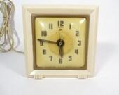 Mid Century Warren Telechron Alarm Clock - Vintage Bedside Clock