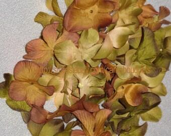 New Mossy Oak New Break Up Colored Petals, 50 Silk Camo Petals, 50 Hydrangea Bloom Petals