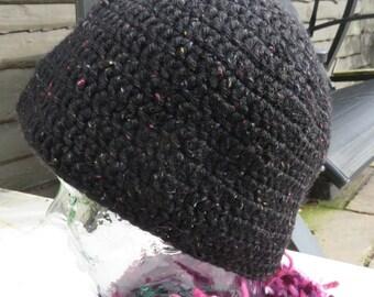 Crochet beanie hat in black flecked yarn