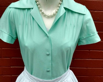 1970s does 1950s Seafoam Green Button-up Top
