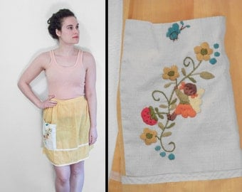 Strawberry Girl Apron 60s Embroidered Canary Yellow Half Style