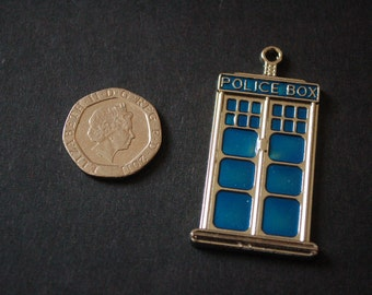 2 Dr Who Tardis pendants