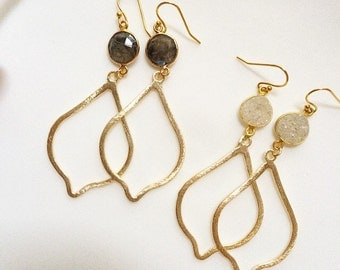 Simple and chic earrings