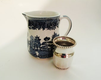 Vintage Irish Blue Willow Creamer, Arklow Classic, Chinoiserie Creamer, Cottage Chic