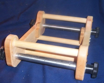 """Rigid Heddle 7"""" Loom, Hard Maple with Tools  about 12"""" L 11"""" W, 4"""" H With Heddle Suppott"""