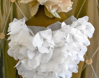 White Petal Collar