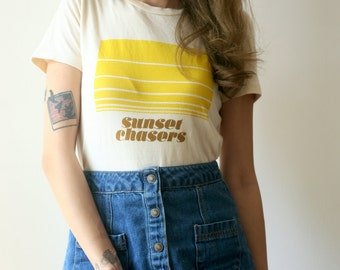 See Love Sunset Chasers 1970s Vintage Inspired Womens tee