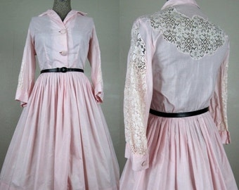 25% Off Summer Sale.... Vintage 1950s Cotton Candytuft Pink Dress 50s Full Skirt Dress with Lace Insets on Sleeves, Shoulders Size 8-10/M