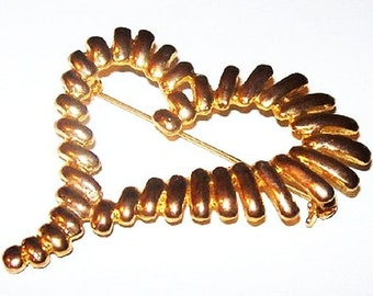 """Abstract Heart Brooch Ribbed Open Heart Gold Tone Frame Valentine 2 1/2"""" Vintage"""