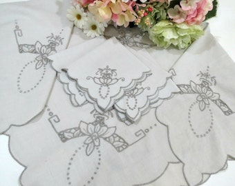 Cutwork Embroidered Tablecloth w 4 Matching Napkins, Luncheon Cloth, Tea Time Tablecloth, 30 x 34, Vintage Linens by TheSweetBasilShoppe