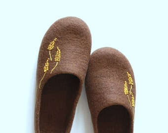 Felted wool slippers for women with yellow flowers - brown house shoes - made to order - Valentine day gift