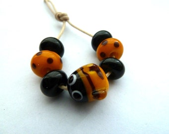 bee handmade lampwork glass beads