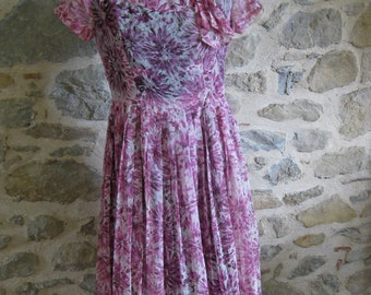 1950s pink floral print dress with black lining - handmade French vintage summer dress size medium