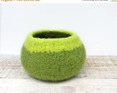 SALE 40 Percent Off Felt Wool Bowl - Leaf Green, Lime, Wool, Home Decor, Storage, Knitted gifts, Unisex, Modern, Hostess Gift