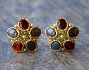 Vintage CORO Clip On Earrings Faux Stone Pearl Peridot Rhinestone Gold Tone Floral 1970's // Vintage Designer Costume Jewelry