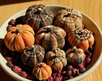 Primitive Fall Halloween Homespun Pumpkin Ornies, Black, Orange, Yellow Plaids