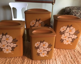 Vinage Harvest Gold With Daisies Nesting 4-Piece Canister Set