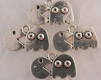 3 Pacman Charms, Gamer Charms Antique Silver 20 x 13 mm  - ts1133