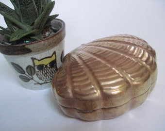Vintage Brass Shell Shaped Box Made in Hong Kong