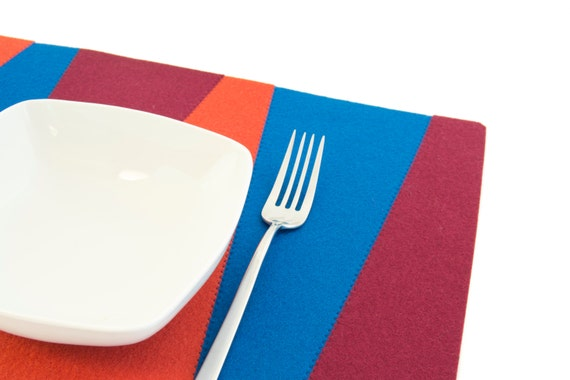 Felt placemats / blue, orange, burgundy / geometric placemats / rectangular placemats / wool felt / housewarming gift / made in Italy