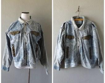 Acid Wash Jacket Vintage 90s Denim Worn In Blue Jean Coat Faux Leather Trim Mens Womens Size L/XL Extra Large Hipster Boho Trucker Jackets