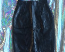 REDUCED TO SELL!! Vintage 1980s Tannery West Black Leather Skirt // Size 6