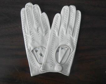 Vintage Gloves, Vintage White Gloves, Leather Gloves, White Leather Gloves, Driving Gloves, 1970s Gloves, 70 White Gloves, Laimbock Gloves