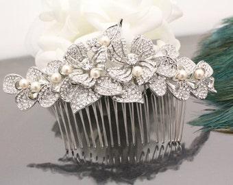 Pearl bridal comb Wedding hair accessory Bridal hair comb Wedding hair peice Bridal hair jewelry Wedding hair comb Bridal headpiece Wedding