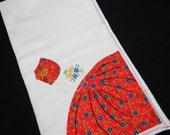 Sun Bonnet Sue Tea Towel - Free Shipping - Embroidered Tea Towel - Farmhouse Tea Towel - Country Kitchen - Vintage Dish Towel - 7HTT16