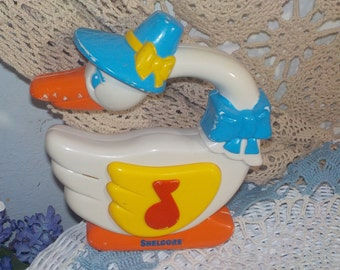 1995 Shelcore Goose Toy  It Plays Music Mother Goose /Music Radio :)S iof