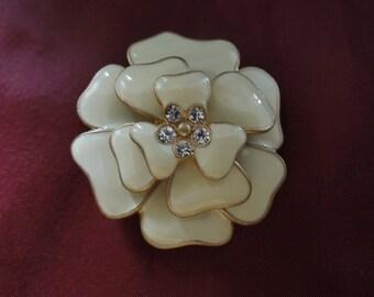 Vintage Enamel Brooch, Flower Style, Gold Tone Base, Cream Enamel with Clear Rhinestones.