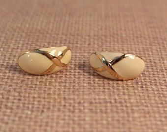 Avon Fashion Pastel Ivory Color Pierced Earrings -  Vintage 1987