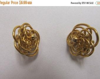 On Sale Trifari Gold Tone Earrings Item K # 2123