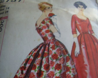 Vintage 1950's Simplicity 2757 Dress Sewing Pattern, Size 14, Bust 34
