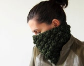 Custom Order to Marisa S. Cable knit Cowl in Green. Chunky green Cowl Chunky knit Hat Green knit Neck Warmer