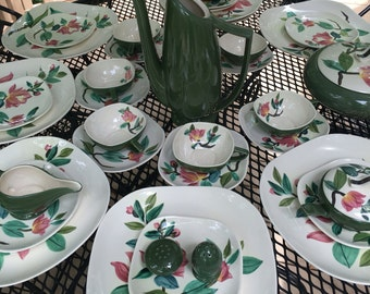 Red Wing Pottery  Dinnerware Set Blossom Time service for 8 Total of 40 pieces Mid Centery Modern