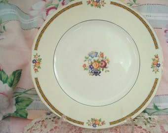 Vintage Shabby Dinner Plates Luncheon Plates W.H. Grindley Ivory England Alton Set of 4 Floral Cottage Chic Vintage Wedding