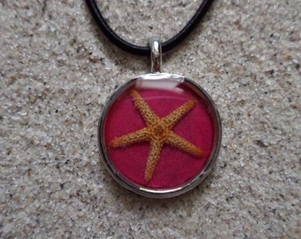 resin necklace pink w. starfish