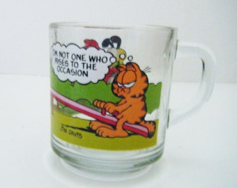 """1980 Jim Davis Garfield The Cat Glass Mug """"I'm Not One Who Rises To The Occasion"""""""