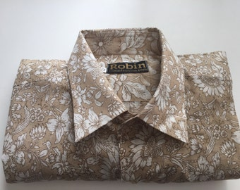 Mens shirt khaki floral print on white base separate detailing inside collar Short sleeves. VERY light weight  100% cotton