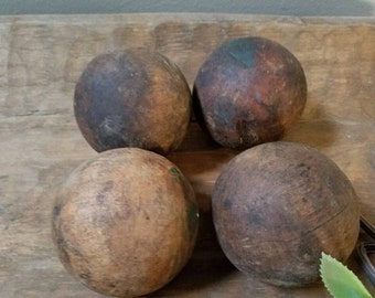 4 Vintage Croquet Balls Brown